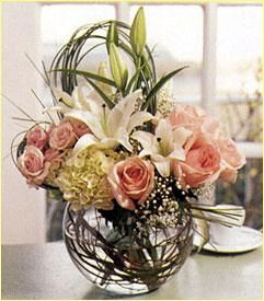 This lovely bouquet boasts romance and beauty